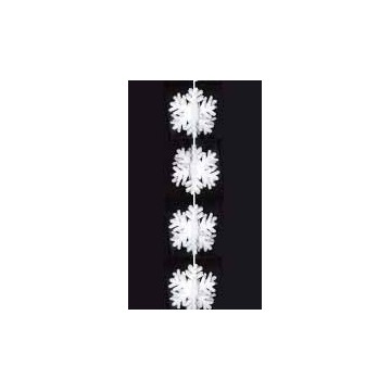 Garland of crystal of snow / snowflakes in 3D in cotton wool